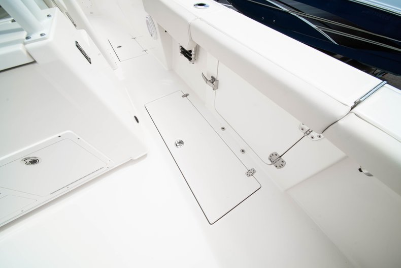 Thumbnail 16 for New 2019 Cobia 320 Center Console boat for sale in West Palm Beach, FL