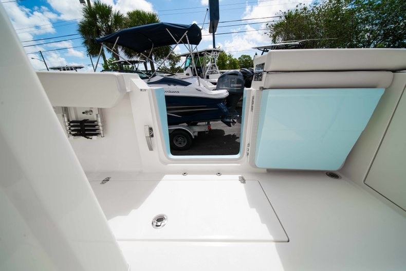 Thumbnail 19 for New 2019 Cobia 320 Center Console boat for sale in West Palm Beach, FL