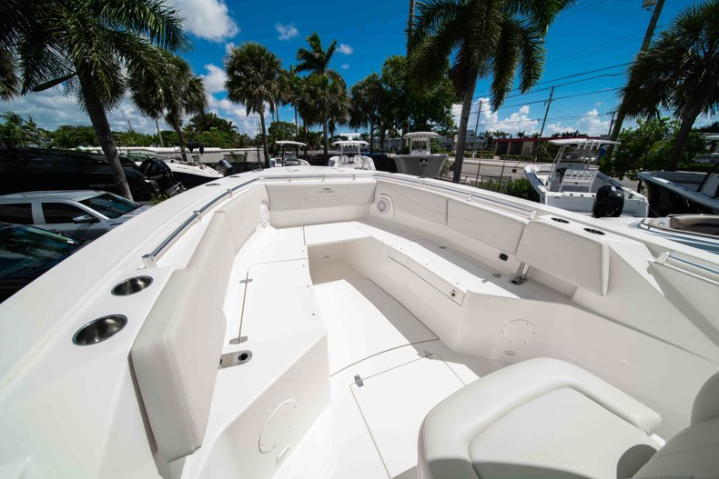 Thumbnail 34 for New 2019 Cobia 320 Center Console boat for sale in West Palm Beach, FL