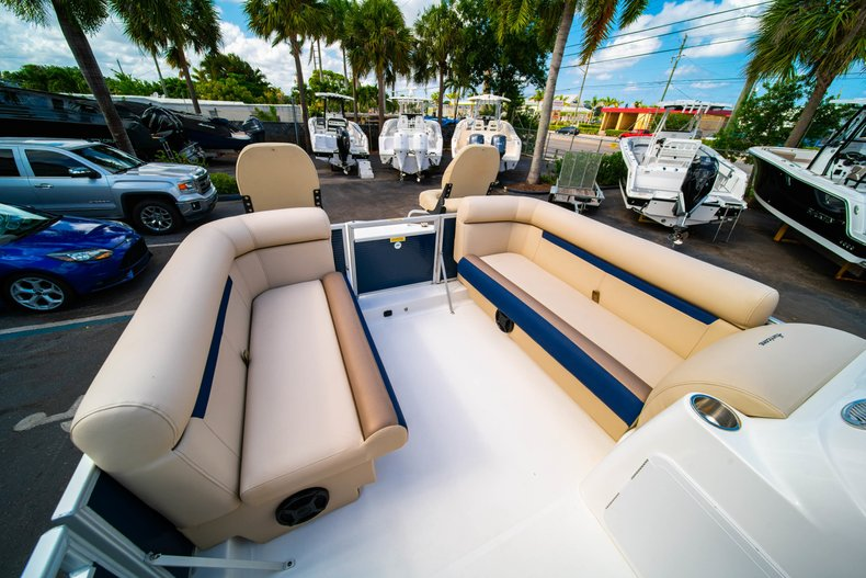 Thumbnail 22 for New 2019 Hurricane FunDeck FD 226 OB boat for sale in West Palm Beach, FL