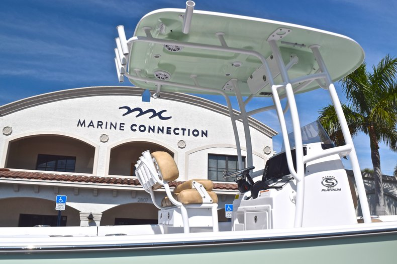 Thumbnail 8 for New 2019 Sportsman Masters 227 Bay Boat boat for sale in Vero Beach, FL