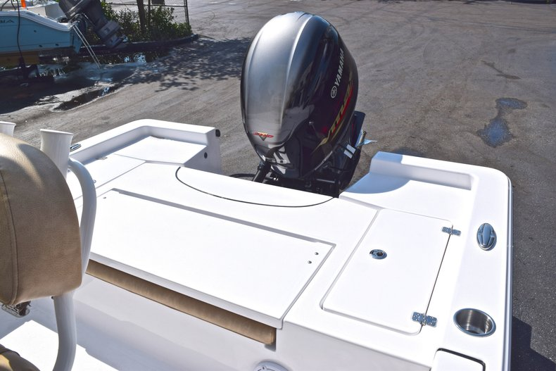 Thumbnail 11 for New 2019 Sportsman Masters 227 Bay Boat boat for sale in West Palm Beach, FL