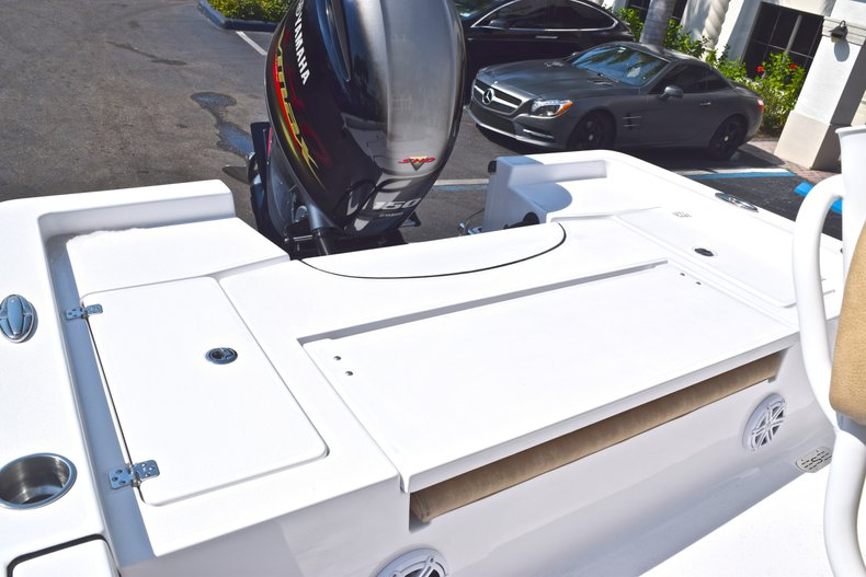 Thumbnail 12 for New 2019 Sportsman Masters 227 Bay Boat boat for sale in Vero Beach, FL