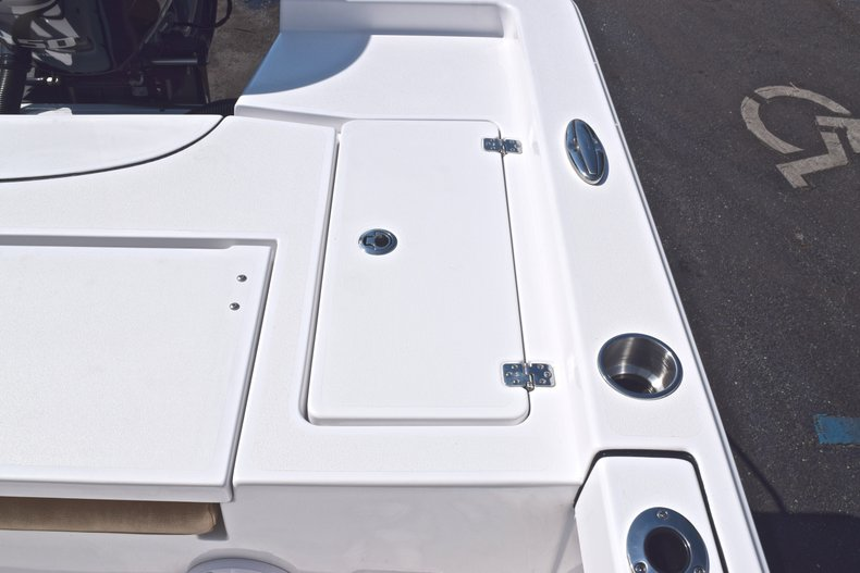 Thumbnail 17 for New 2019 Sportsman Masters 227 Bay Boat boat for sale in Vero Beach, FL