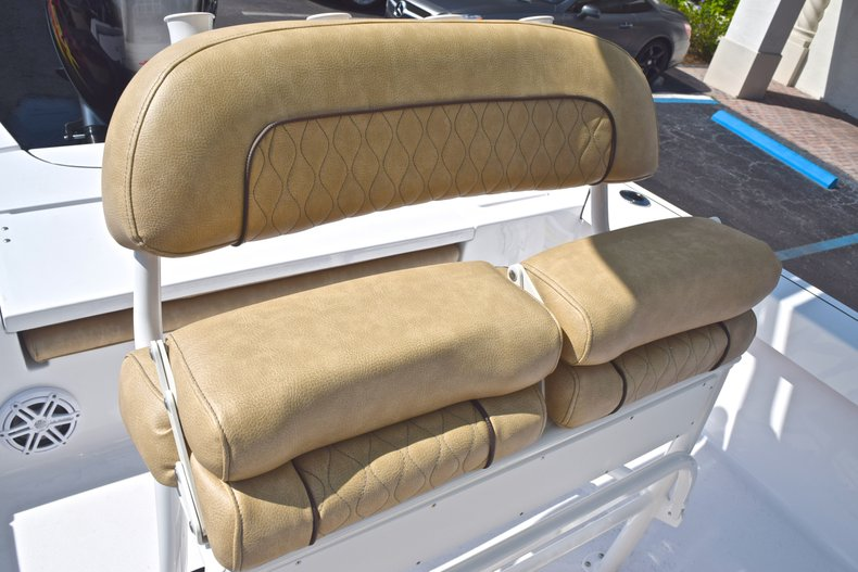 Thumbnail 23 for New 2019 Sportsman Masters 227 Bay Boat boat for sale in Vero Beach, FL