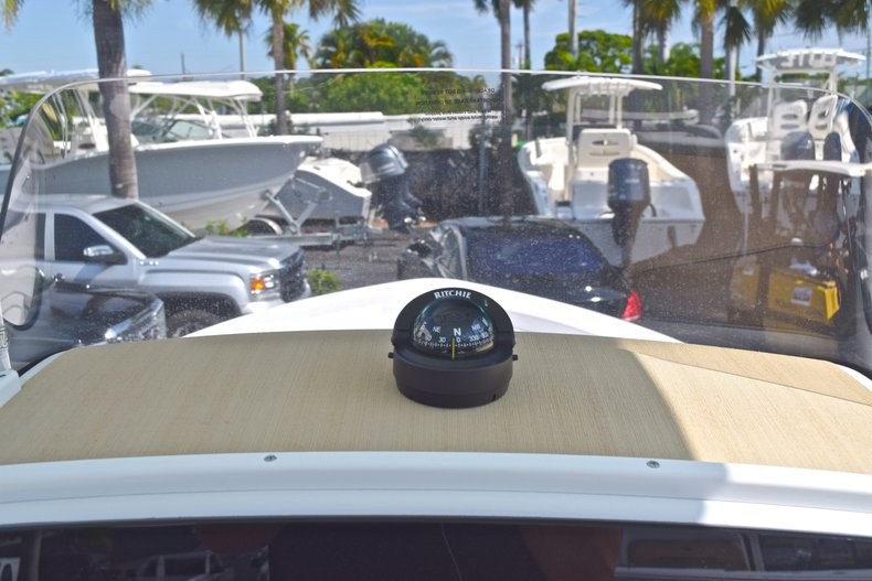 Thumbnail 25 for New 2019 Sportsman Masters 227 Bay Boat boat for sale in Vero Beach, FL