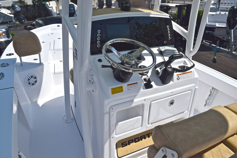 Thumbnail 24 for New 2019 Sportsman Masters 227 Bay Boat boat for sale in West Palm Beach, FL
