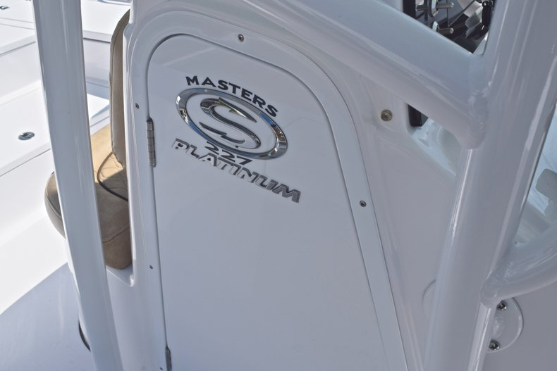 Thumbnail 40 for New 2019 Sportsman Masters 227 Bay Boat boat for sale in Vero Beach, FL