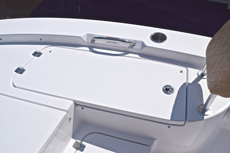 Thumbnail 47 for New 2019 Sportsman Masters 227 Bay Boat boat for sale in West Palm Beach, FL