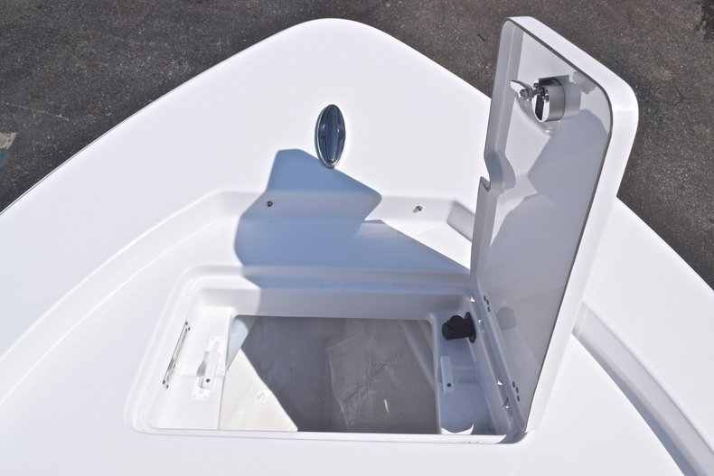 Thumbnail 53 for New 2019 Sportsman Masters 227 Bay Boat boat for sale in West Palm Beach, FL