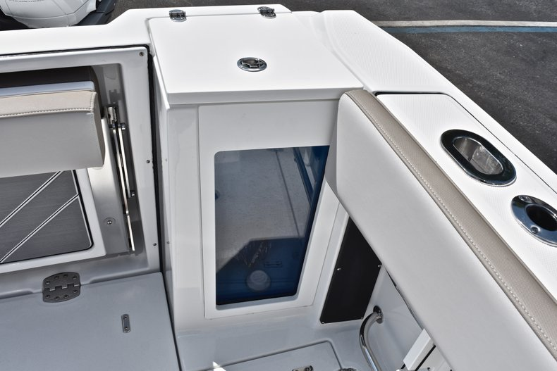 Thumbnail 14 for New 2019 Blackfin 272DC Dual Console boat for sale in West Palm Beach, FL