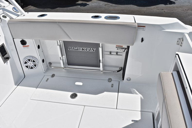 Thumbnail 16 for New 2019 Blackfin 272DC Dual Console boat for sale in West Palm Beach, FL