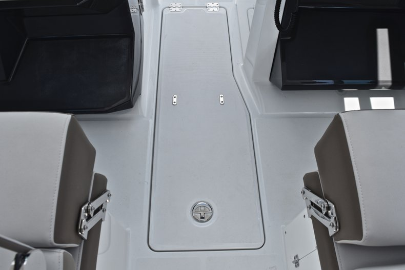 Thumbnail 52 for New 2019 Blackfin 272DC Dual Console boat for sale in West Palm Beach, FL