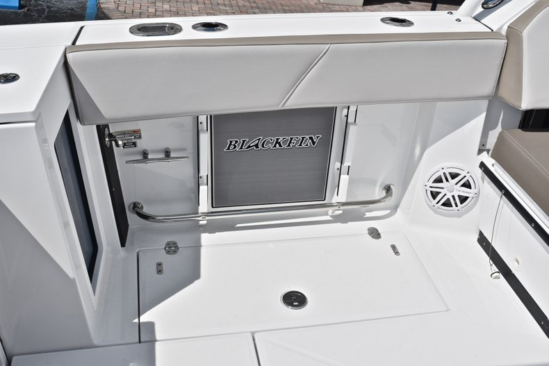 Thumbnail 19 for New 2019 Blackfin 272DC Dual Console boat for sale in West Palm Beach, FL