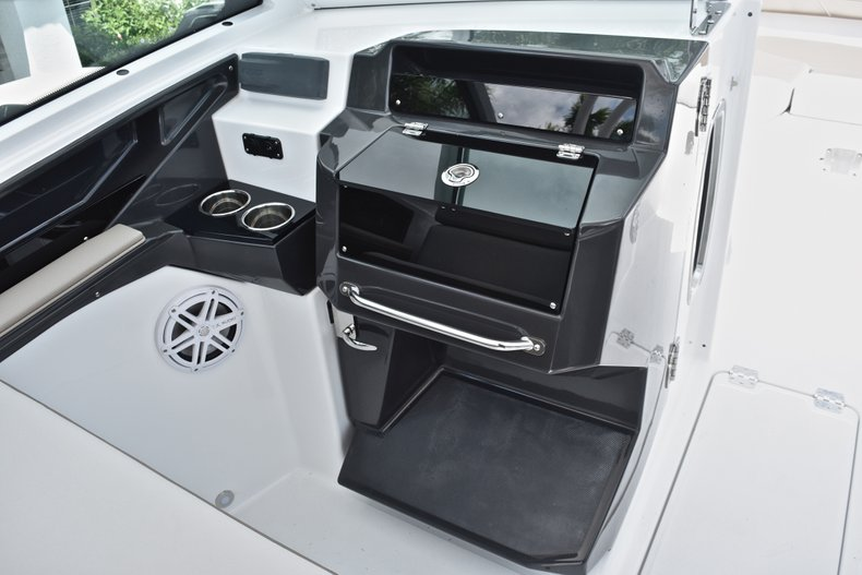 Thumbnail 56 for New 2019 Blackfin 272DC Dual Console boat for sale in West Palm Beach, FL