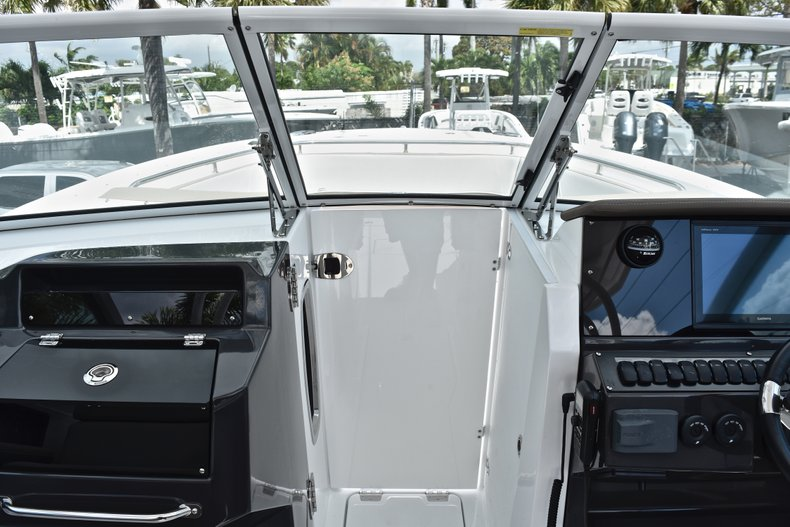 Thumbnail 64 for New 2019 Blackfin 272DC Dual Console boat for sale in West Palm Beach, FL