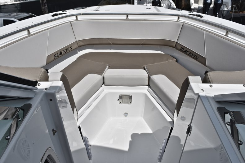 Thumbnail 67 for New 2019 Blackfin 272DC Dual Console boat for sale in West Palm Beach, FL