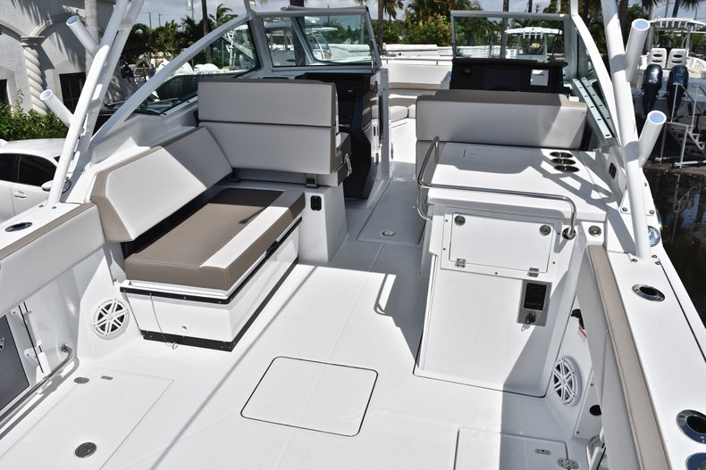 Thumbnail 8 for New 2019 Blackfin 272DC Dual Console boat for sale in West Palm Beach, FL