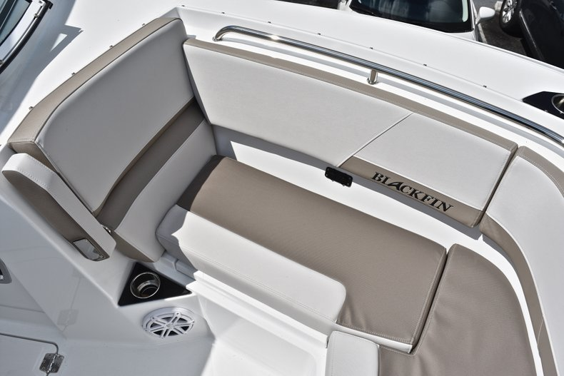 Thumbnail 69 for New 2019 Blackfin 272DC Dual Console boat for sale in West Palm Beach, FL