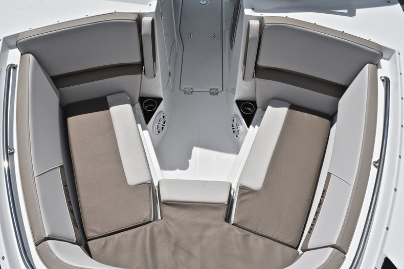 Thumbnail 74 for New 2019 Blackfin 272DC Dual Console boat for sale in West Palm Beach, FL