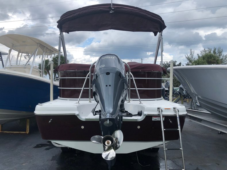 Thumbnail 1 for New 2019 Hurricane FunDeck FD 236SB boat for sale in West Palm Beach, FL