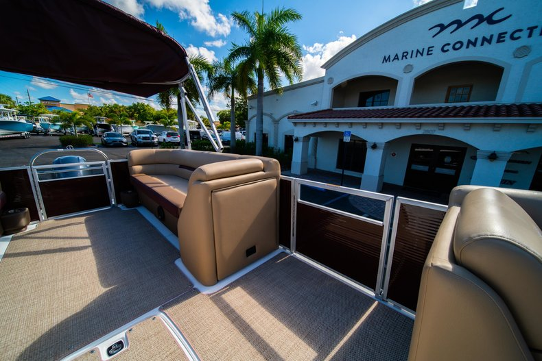 Thumbnail 21 for New 2019 Hurricane FunDeck FD 236SB boat for sale in West Palm Beach, FL