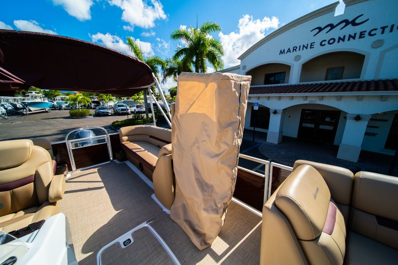 Thumbnail 22 for New 2019 Hurricane FunDeck FD 236SB boat for sale in West Palm Beach, FL