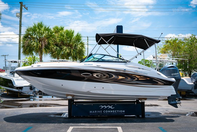 Thumbnail 4 for New 2019 Hurricane SunDeck SD 2200 OB boat for sale in West Palm Beach, FL