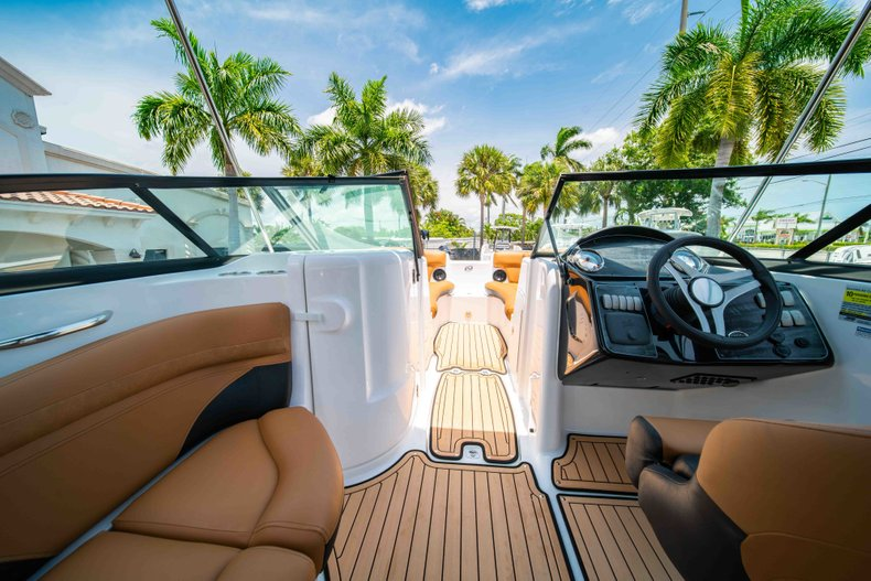 Thumbnail 21 for New 2019 Hurricane SunDeck SD 2200 OB boat for sale in West Palm Beach, FL