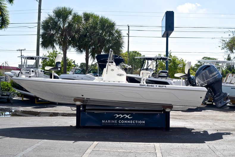 Thumbnail 5 for Used 2012 Skeeter ZX 22 Bay boat for sale in West Palm Beach, FL