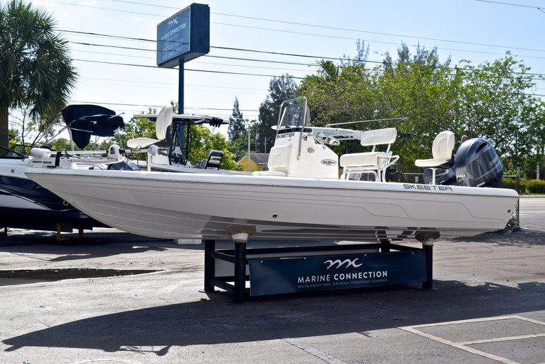 Thumbnail 4 for Used 2012 Skeeter ZX 22 Bay boat for sale in West Palm Beach, FL