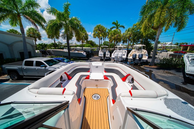 Thumbnail 32 for New 2019 Hurricane SunDeck SD 2486 OB boat for sale in West Palm Beach, FL
