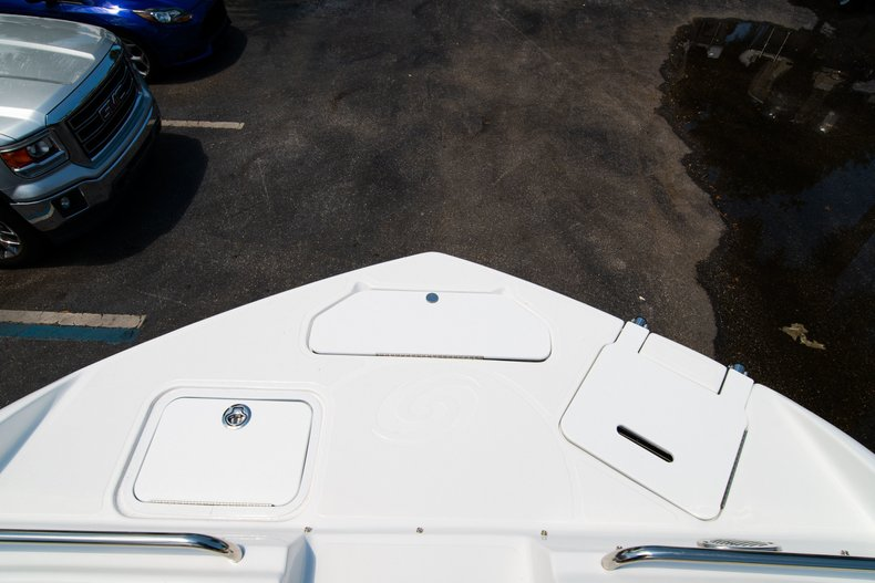 Thumbnail 34 for New 2019 Hurricane SunDeck SD 2486 OB boat for sale in West Palm Beach, FL
