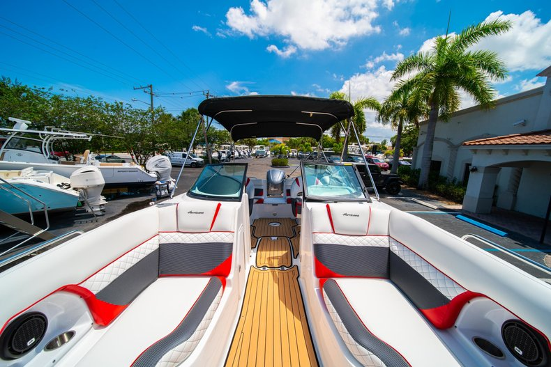 Thumbnail 36 for New 2019 Hurricane SunDeck SD 2486 OB boat for sale in West Palm Beach, FL