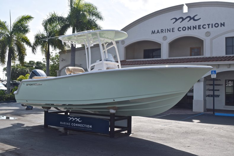 Thumbnail 1 for New 2019 Sportsman Heritage 231 Center Console boat for sale in Vero Beach, FL