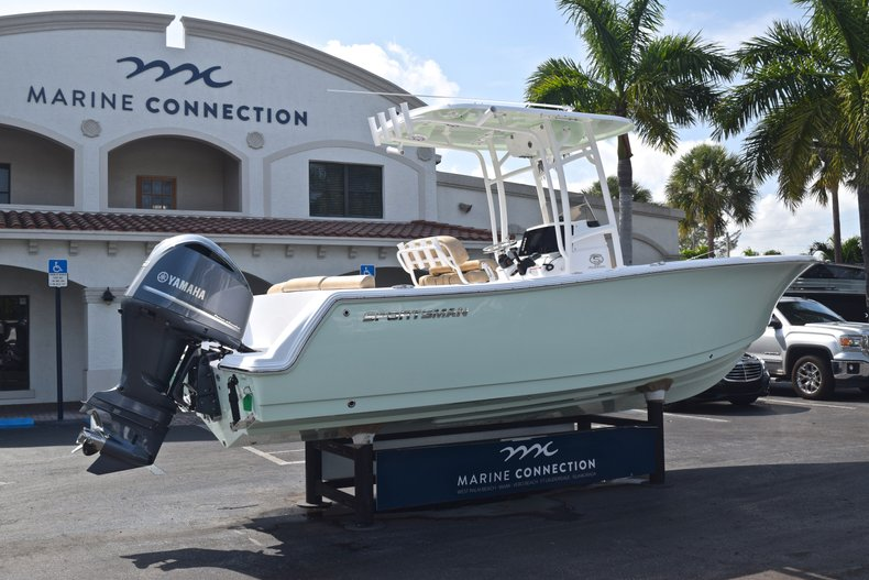 Thumbnail 7 for New 2019 Sportsman Heritage 231 Center Console boat for sale in Vero Beach, FL