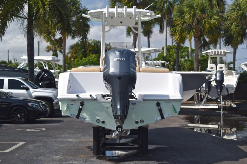 Thumbnail 6 for New 2019 Sportsman Heritage 231 Center Console boat for sale in Vero Beach, FL