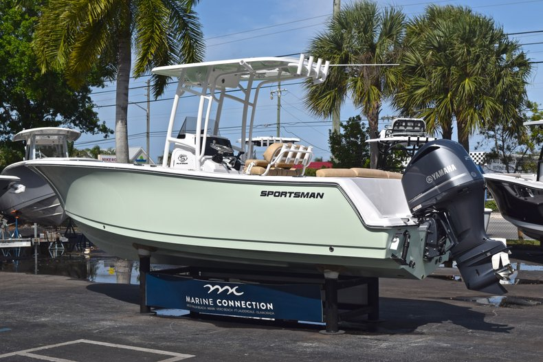 Thumbnail 5 for New 2019 Sportsman Heritage 231 Center Console boat for sale in Vero Beach, FL