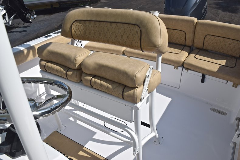 Thumbnail 21 for New 2019 Sportsman Heritage 231 Center Console boat for sale in Vero Beach, FL