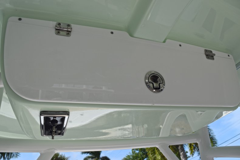 Thumbnail 23 for New 2019 Sportsman Heritage 231 Center Console boat for sale in Vero Beach, FL