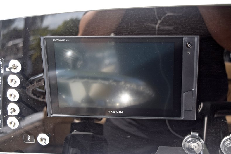 Thumbnail 28 for New 2019 Sportsman Heritage 231 Center Console boat for sale in Vero Beach, FL