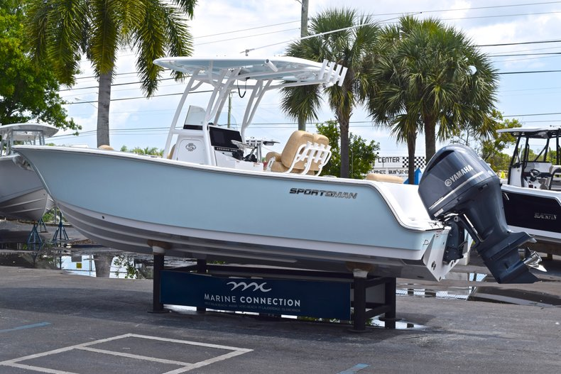 Thumbnail 6 for New 2019 Sportsman Open 242 Center Console boat for sale in West Palm Beach, FL