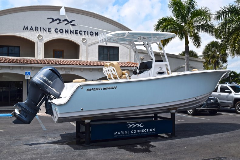 Thumbnail 8 for New 2019 Sportsman Open 242 Center Console boat for sale in West Palm Beach, FL