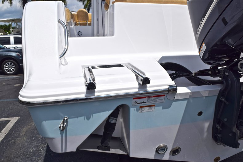 Thumbnail 10 for New 2019 Sportsman Open 242 Center Console boat for sale in West Palm Beach, FL