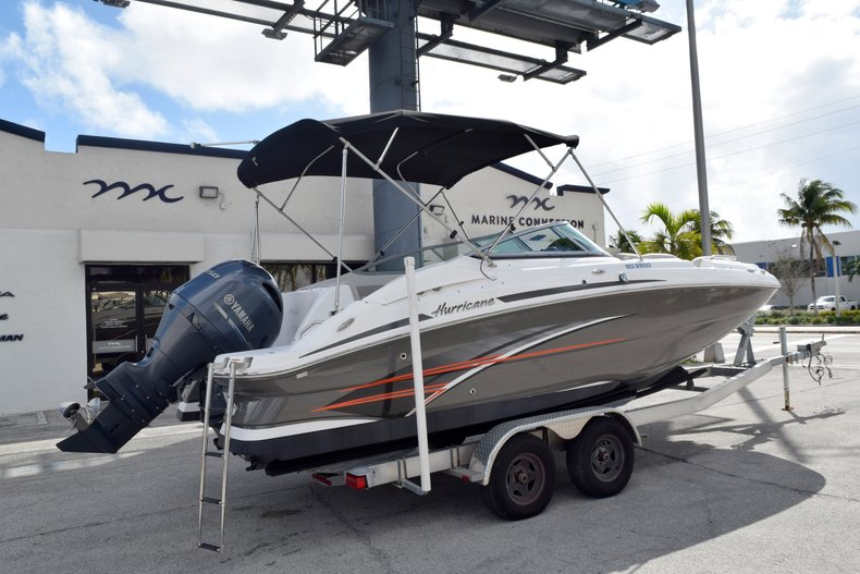 Thumbnail 7 for Used 2017 Hurricane SunDeck SD 2200 OB boat for sale in Fort Lauderdale, FL