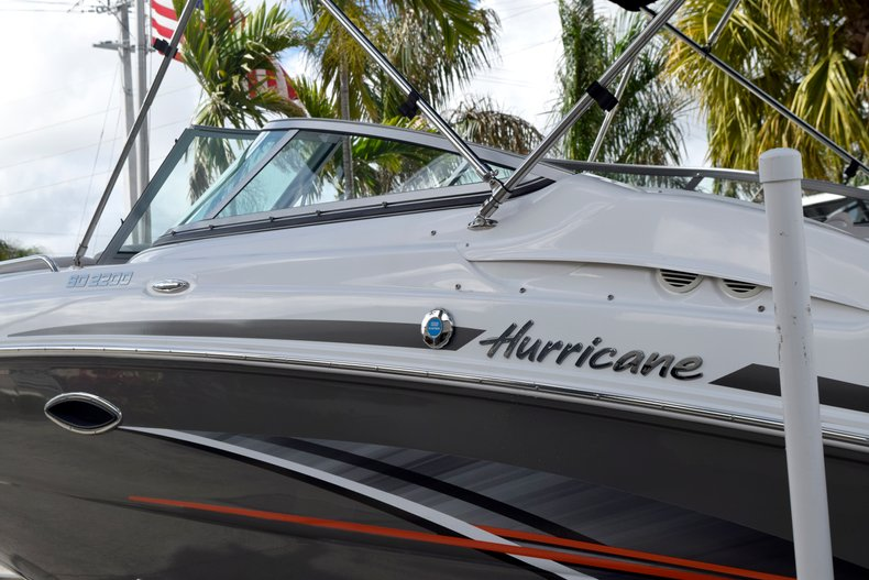 Thumbnail 5 for Used 2017 Hurricane SunDeck SD 2200 OB boat for sale in Fort Lauderdale, FL
