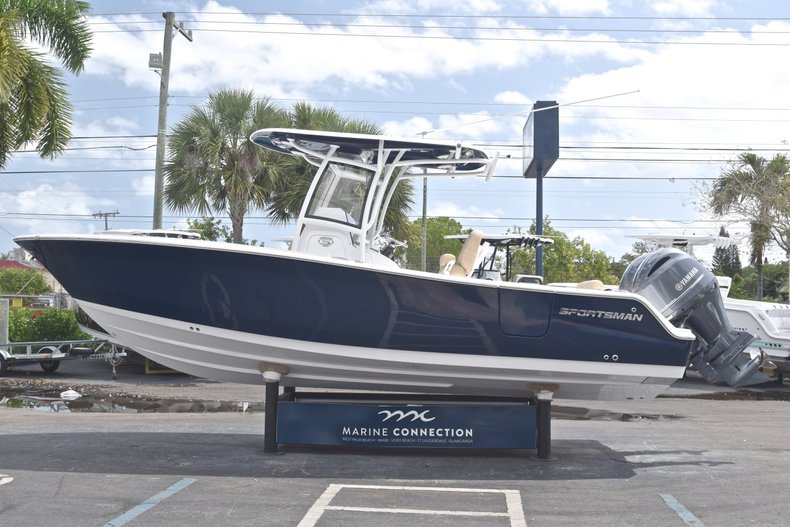 Thumbnail 4 for New 2019 Sportsman Heritage 251 Center Console boat for sale in Miami, FL