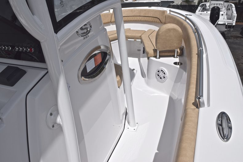 Thumbnail 42 for New 2019 Sportsman Heritage 251 Center Console boat for sale in Miami, FL