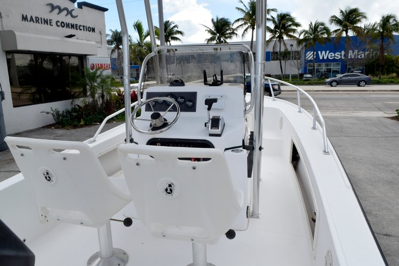 Thumbnail 10 for Used 2001 Mako 171 Center Console boat for sale in Vero Beach, FL