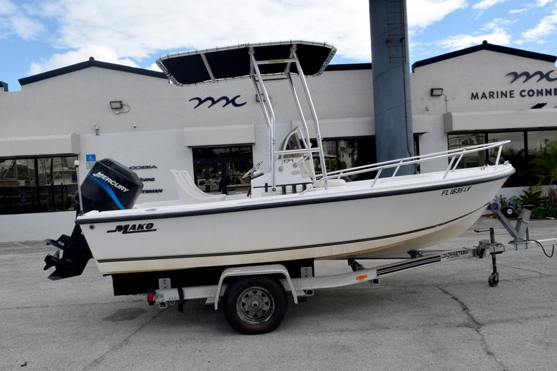 Used 2001 Mako 171 Center Console boat for sale in Vero Beach, FL